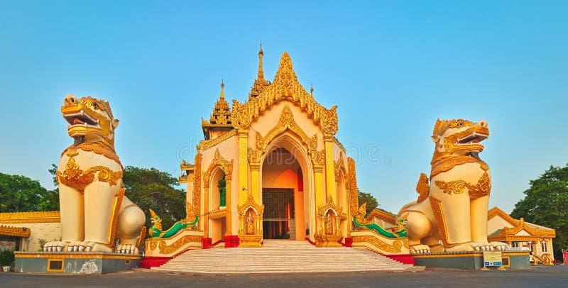 Complexe de Shwedagon à Yangon myanmar images libres de droits