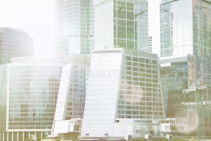 Complexe de ville de Moscou d'immeuble de bureaux de gratte-ciel Technologie d'affaires Fond moderne d'architecture de ville de s photos libres de droits