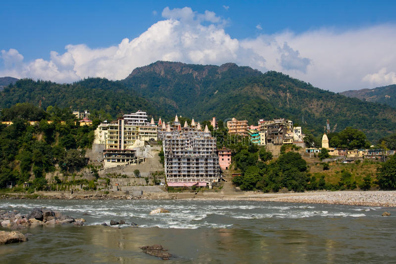 Complexo da ioga em Rishikesh, Uttaranchal, India imagem de stock royalty free