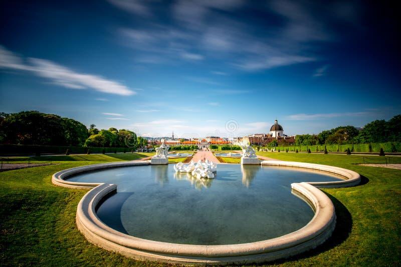 Complexo de construção do Belvedere em Viena, Áustria imagens de stock royalty free