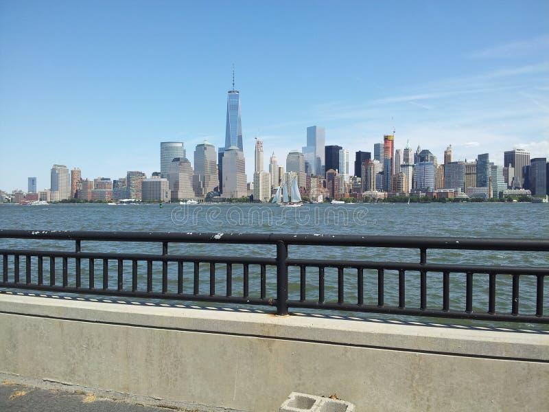 Complexo de Freedom Tower, skyline de NYC imagens de stock