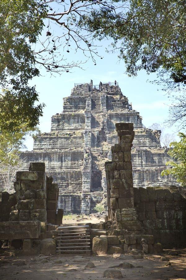 Complexo do templo de Koh Ker, pirâmide Prasat Prang da morte, Camboja imagem de stock royalty free