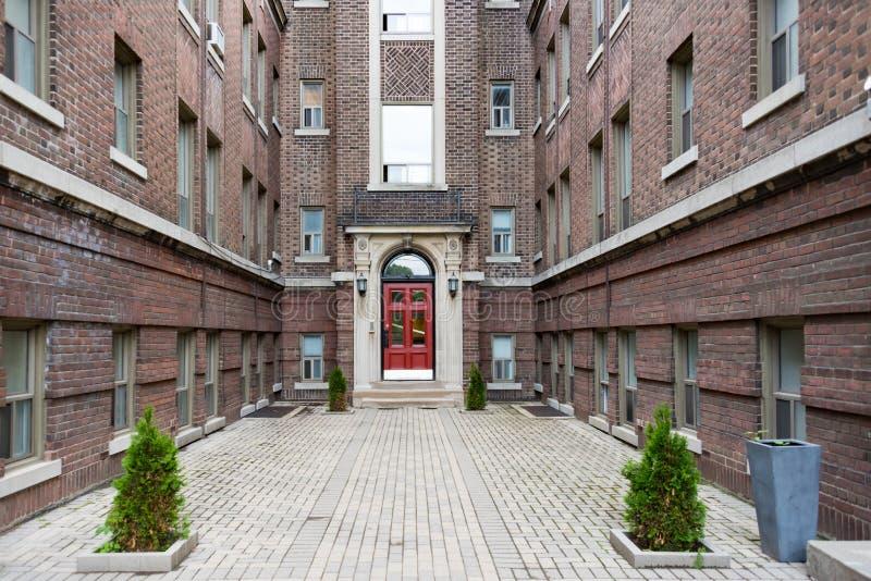 Complexo vitoriano da casa do vintage em Toronto Canadá imagem de stock royalty free