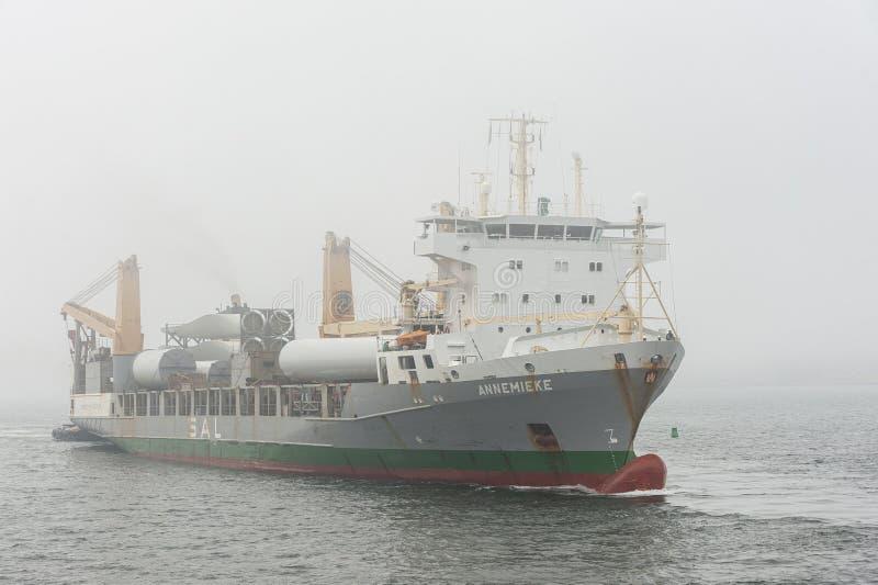 Componentes de transporte de Annemieke del buque de carga para las turbinas de viento imagenes de archivo