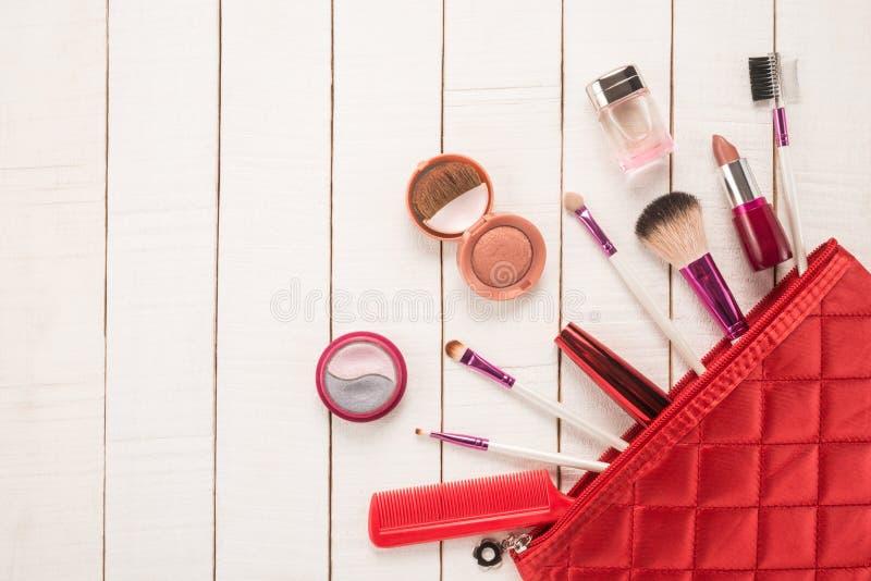 Componga el bolso con los cosméticos fotos de archivo libres de regalías