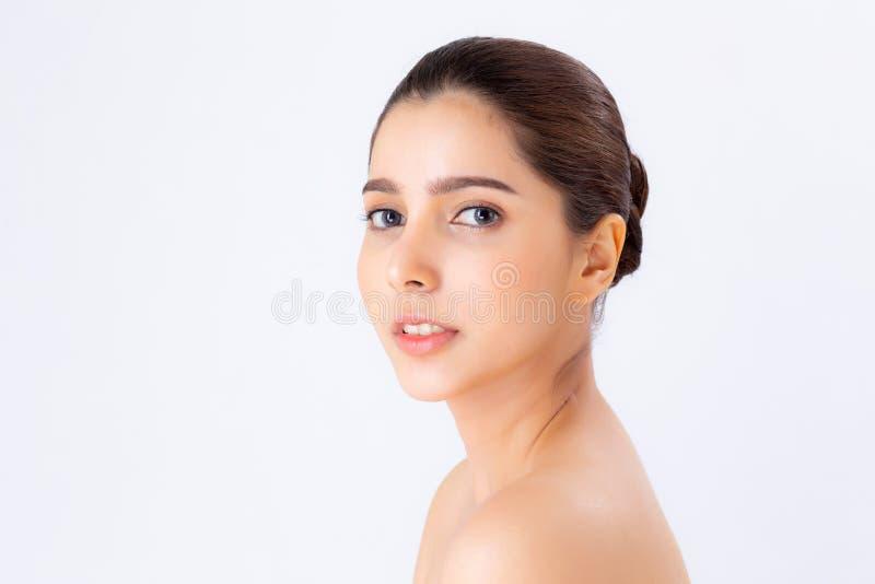 Composição asiática do cosmético, beleza da mulher do retrato bonito da menina com o atrativo do sorriso da cara isolada no fundo imagem de stock