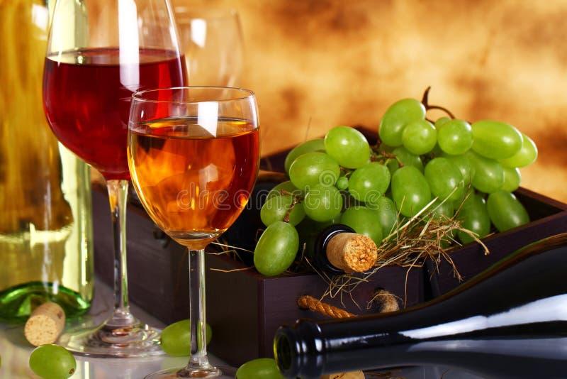 Composição bonita do vinho fotos de stock royalty free