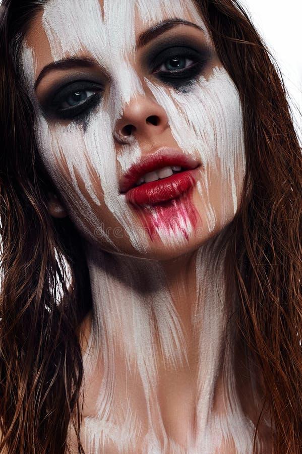 Composição criativa na cara do ` s da mulher da beleza imagem de stock
