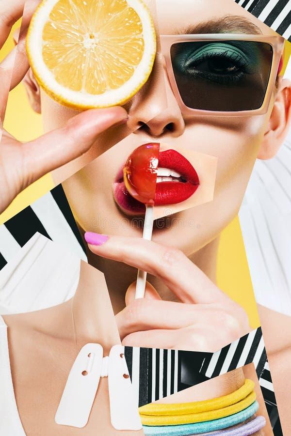 Composição da mulher com pirulito e limão nos óculos de sol foto de stock