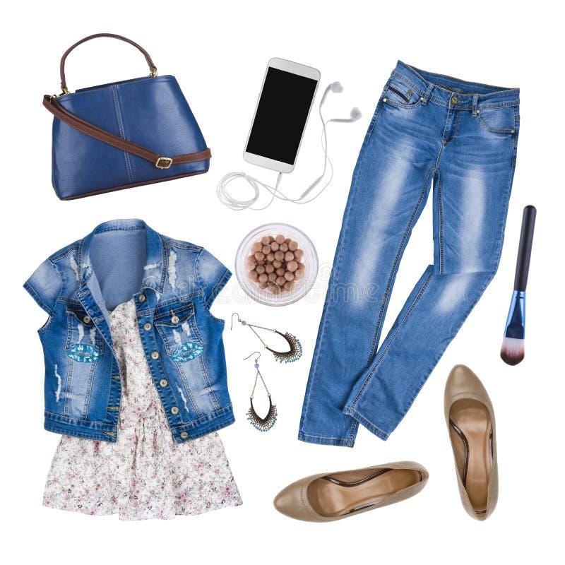 Composição da roupa fêmea e dos acessórios do verão isolados no branco foto de stock