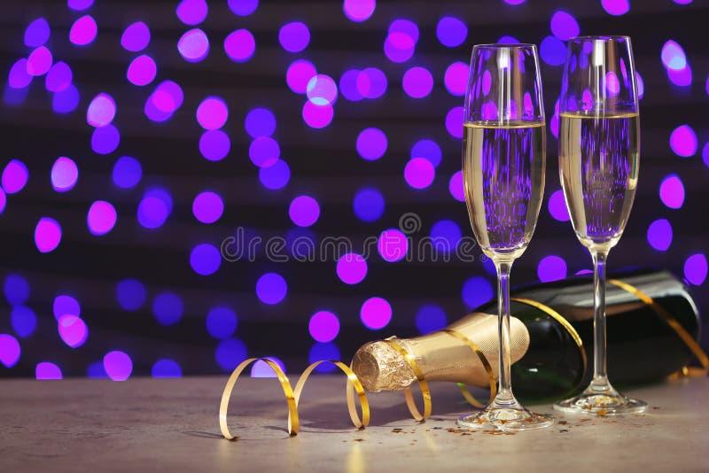 Composição do ano novo com champanhe e espaço fotos de stock