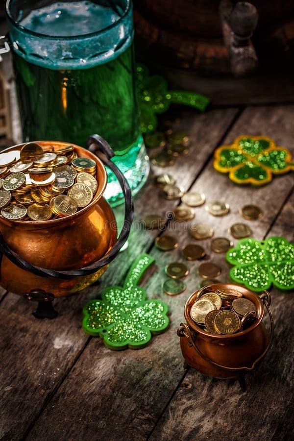 Composição do dia de St Patrick foto de stock