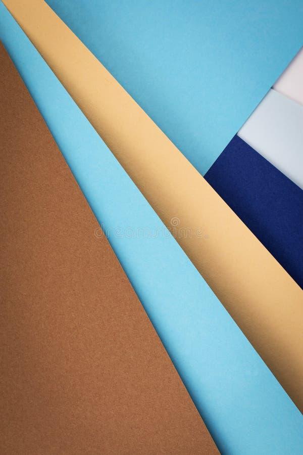 Composição do outono com papéis coloridos fotos de stock royalty free