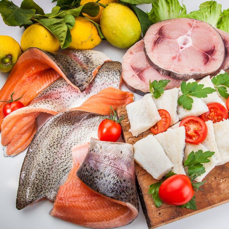 Composição dos peixes do cousine do alimento, ingrediente para comer fotografia de stock