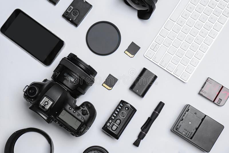 Composição lisa da configuração com equipamento imagem de stock royalty free