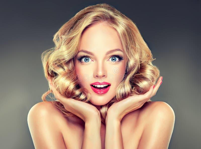 Composição perfeita e tratamento de mãos cor-de-rosa imagens de stock royalty free
