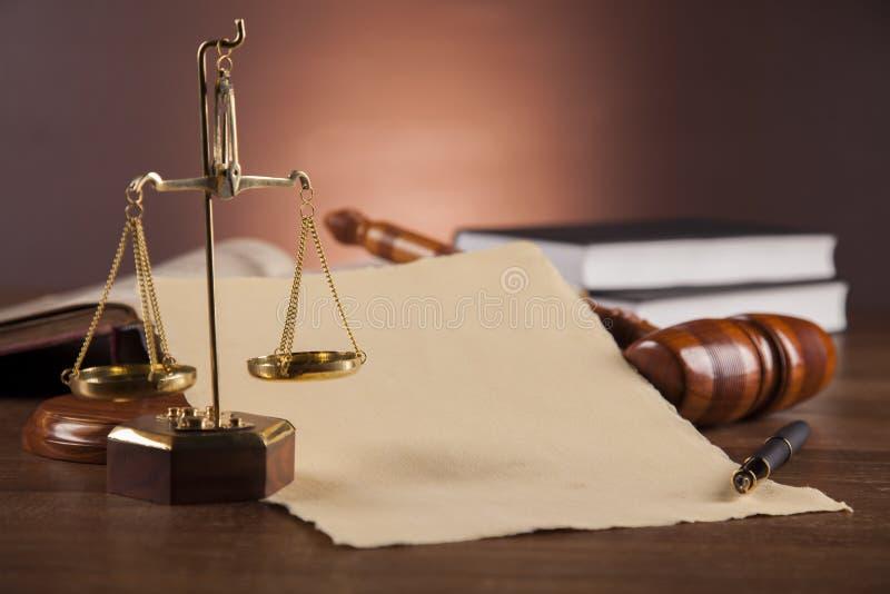 Composición atmosférica con la materia de la ley y de la justicia fotos de archivo