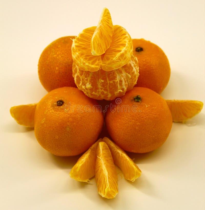 Composición de la mandarina de mandarinas purificadas y crudas imagen de archivo