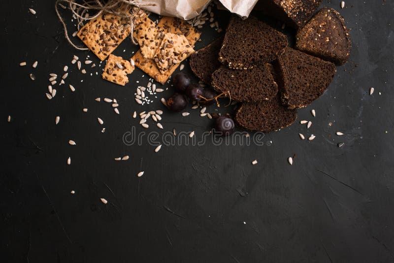 Composición de los alimentos de los productos de los panes fotografía de archivo