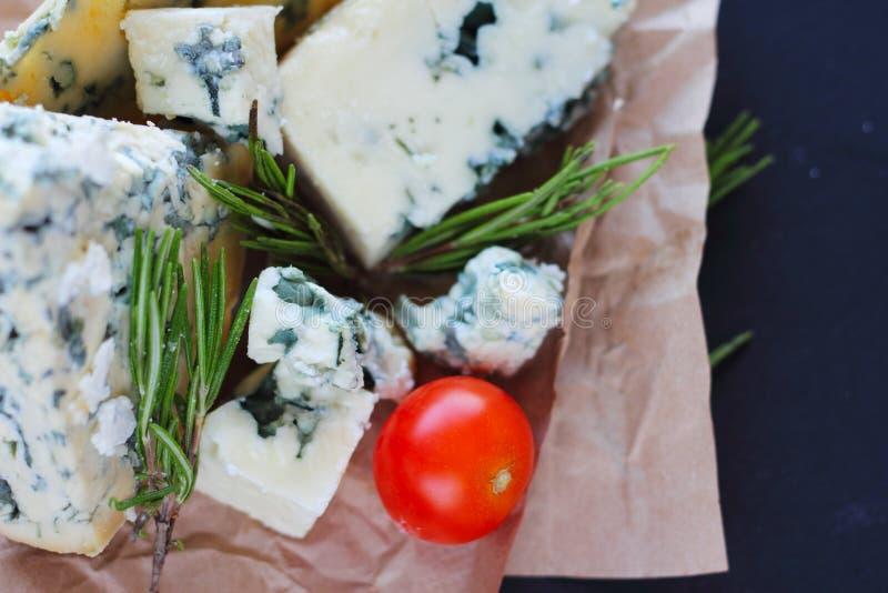 Composición del queso del Roquefort fotos de archivo