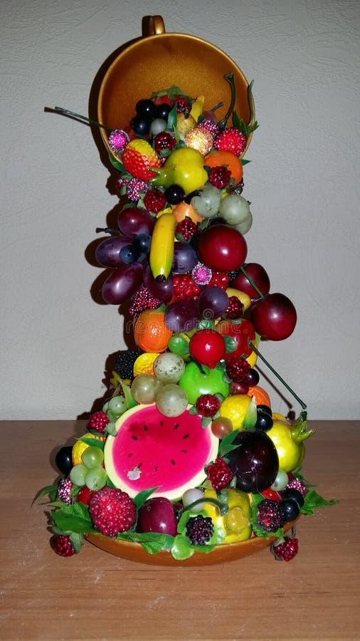 Composición del recuerdo de la fruta Cuenco de elevación fotografía de archivo libre de regalías