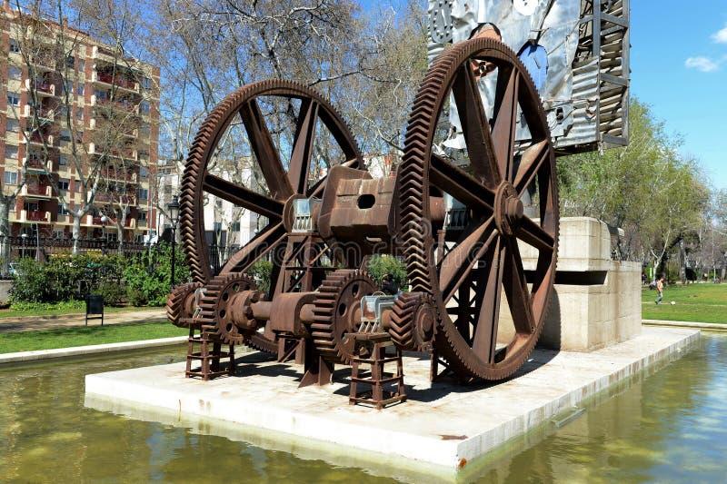 Composición escultural en las máquinas del ` del tema y ` de los mecanismos en la ciudadela del parque de Barcelona imagen de archivo libre de regalías