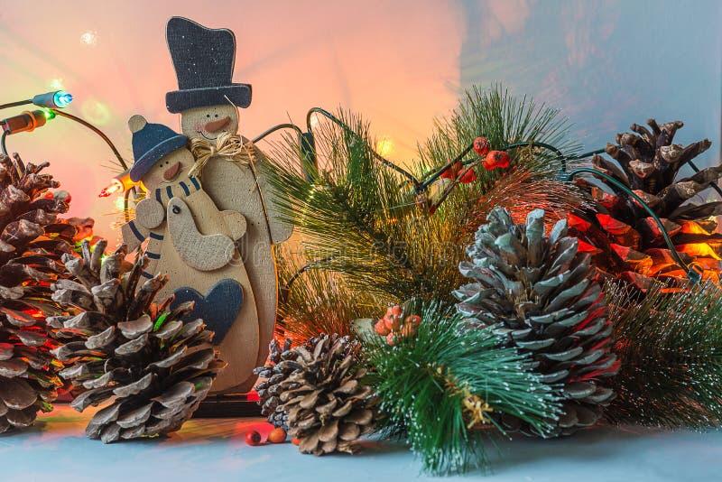 Composición hermosa de la Navidad con las luces en estilo retro imagenes de archivo