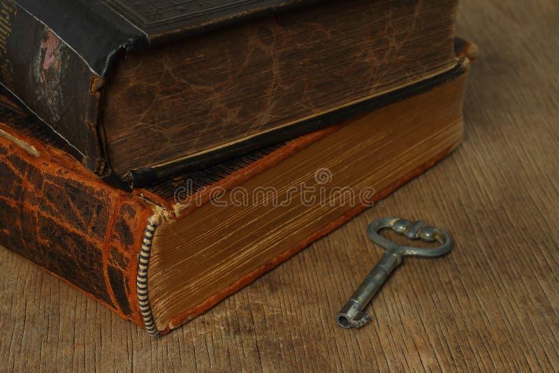 Composición retra con los libros imagen de archivo libre de regalías