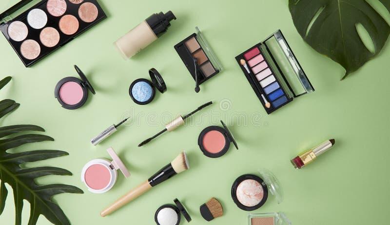 Composition étendue plate avec la peau cosmétique images libres de droits
