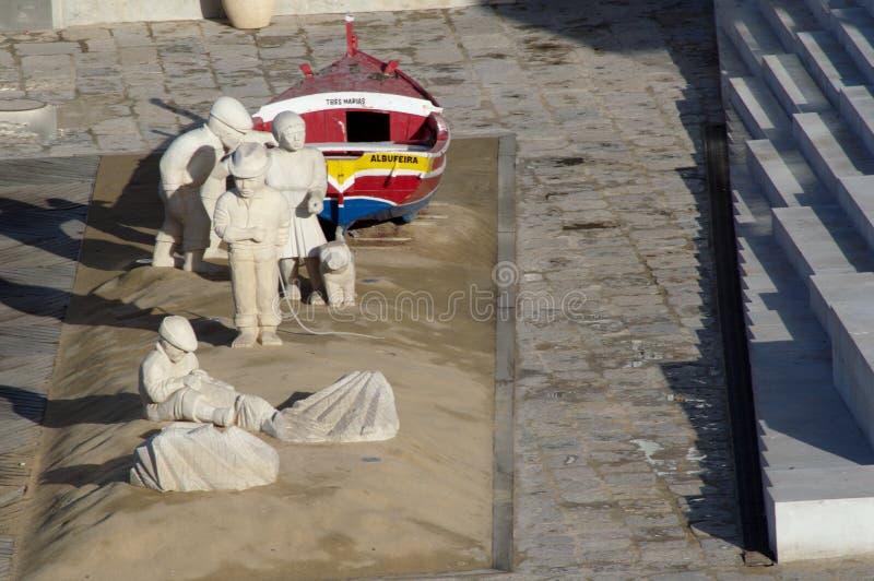 Composition avec des sculptures faites de sable 28 photos stock
