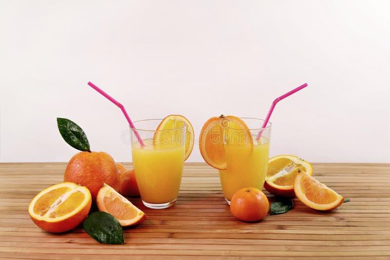 Composition avec l'agrume et le jus d'orange photo libre de droits