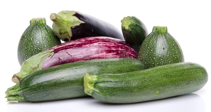 Composition avec les aubergines et la courgette photos libres de droits