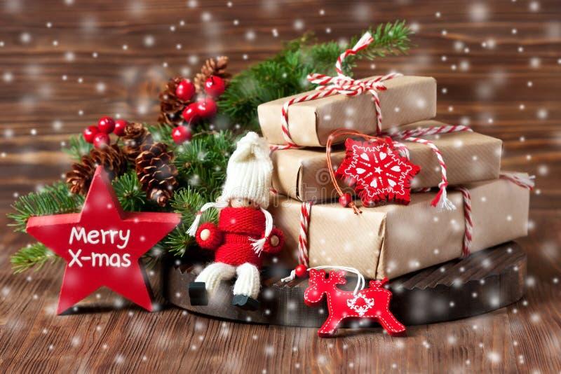 Composition en Noël avec la décoration de vacances photographie stock libre de droits