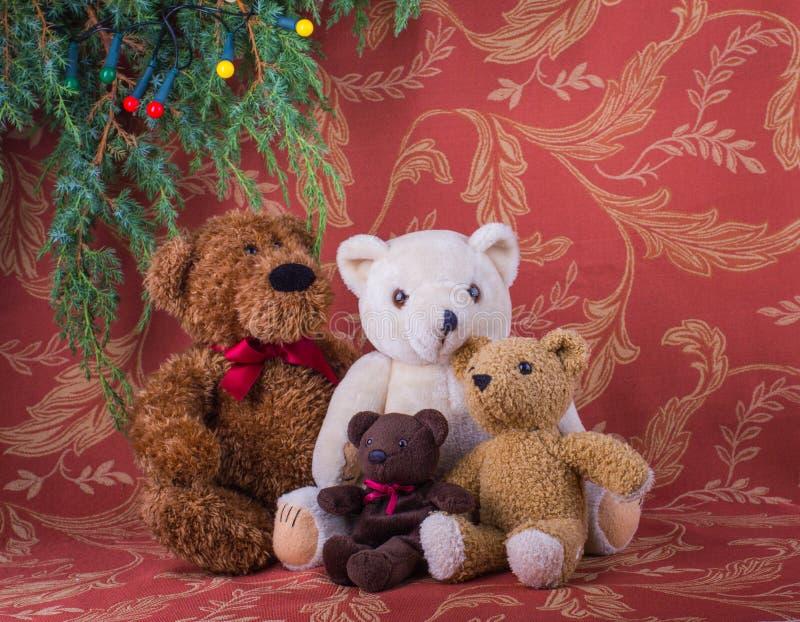 Composition en Noël avec la famille de quatre ours de nounours images libres de droits