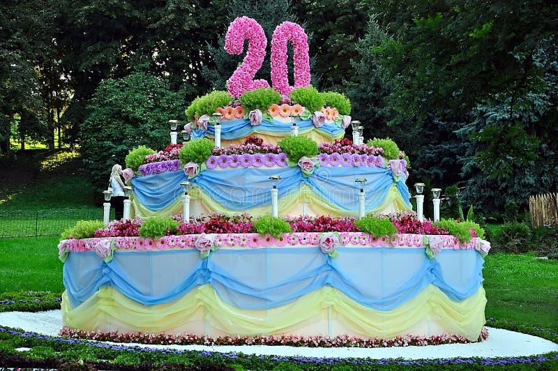 Composition florale sous forme de gâteau photo stock