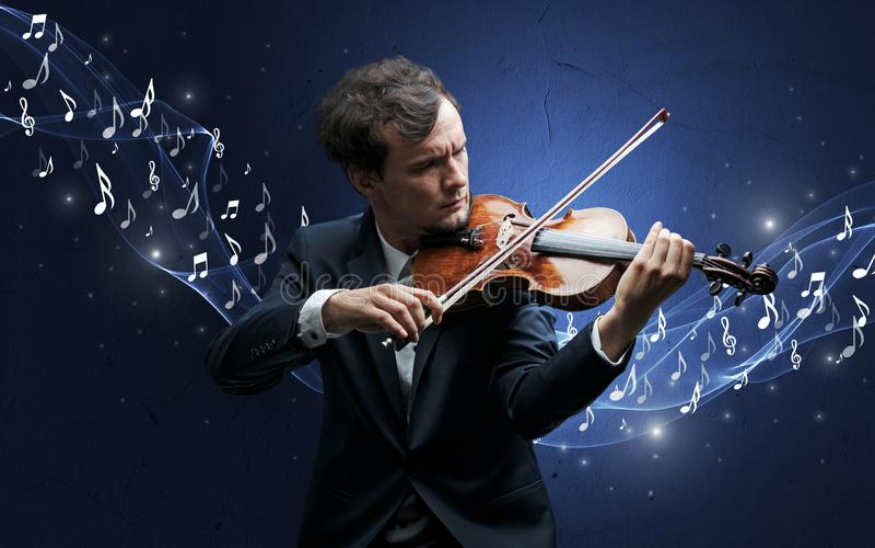 Compositor s? que joga no violino fotografia de stock royalty free