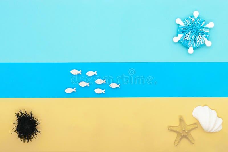 Composizione astratta nella spiaggia fotografie stock