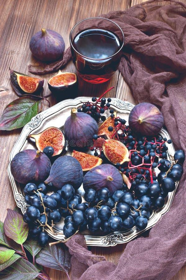 Composizione con i frutti saporiti fotografia stock libera da diritti