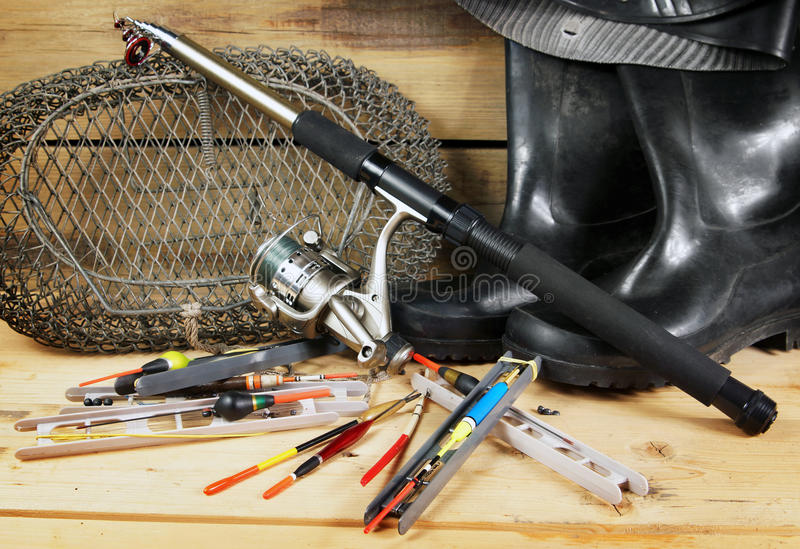 Composizione con le varie attrezzature per la pesca immagine stock libera da diritti