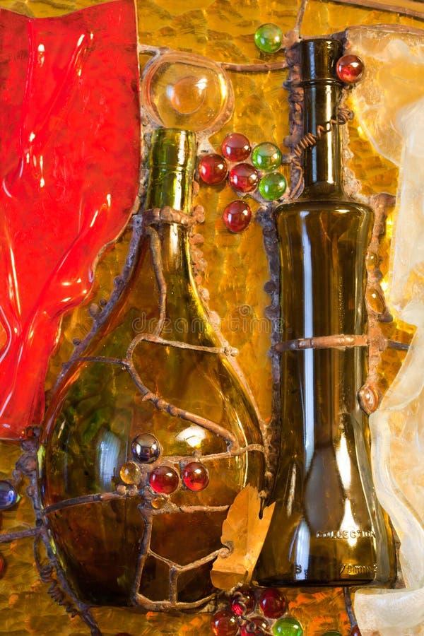 Composizione di vetro macchiato del tema del vino immagini stock libere da diritti