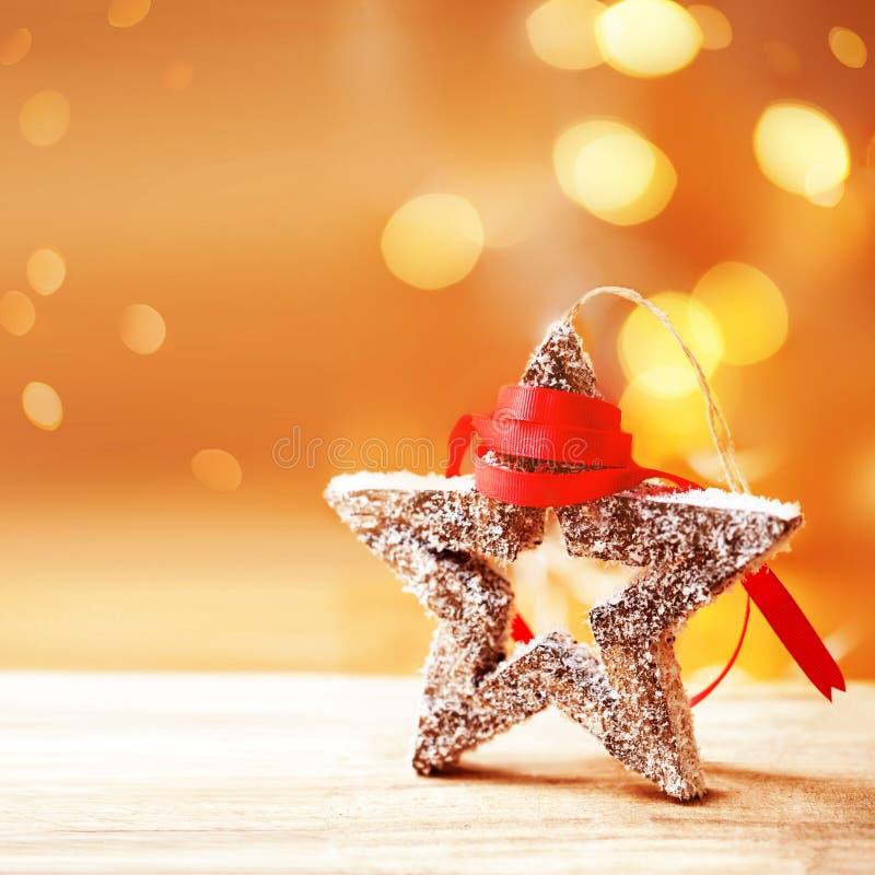 Composizione in Natale con la decorazione di festa, stella festiva, Sn fotografia stock libera da diritti