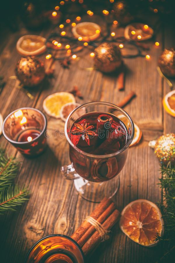 Composizione in Natale con vin brulé immagine stock libera da diritti