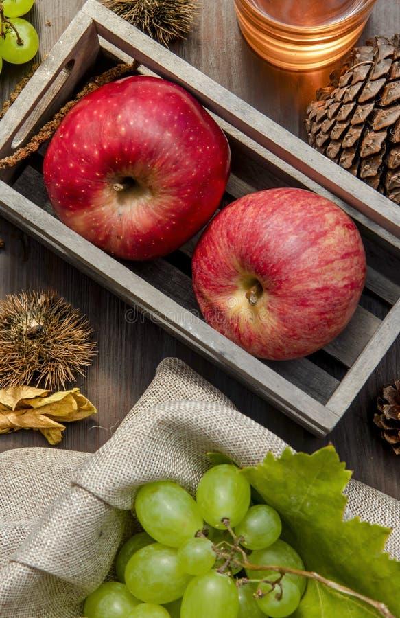 composizione nella frutta di autunno fotografia stock