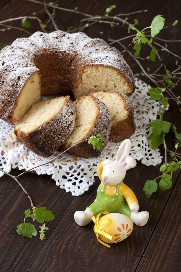 Composizione in Pasqua con il dolce saporito immagini stock