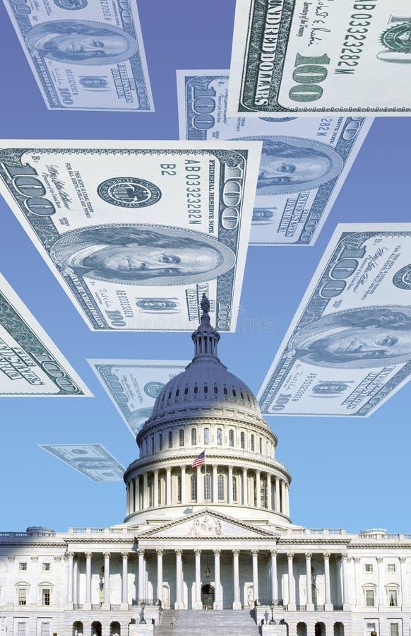 Composto di Digital: U S Campidoglio con fare galleggiare cento banconote in dollari immagine stock libera da diritti