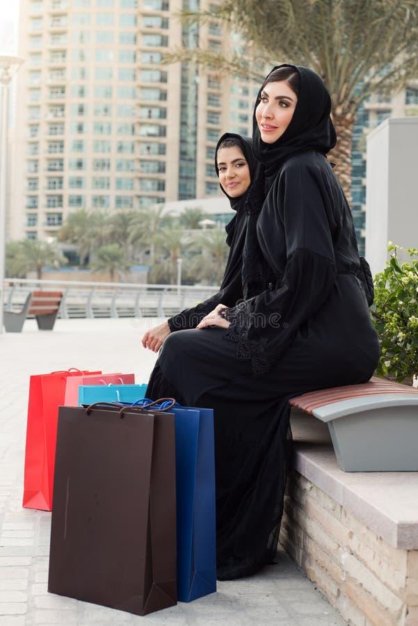 Compra árabe das mulheres fotos de stock
