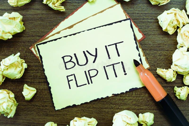 Compra del texto de la escritura de la palabra él Flip It El concepto del negocio para la compra algo los fija encima de entonces imágenes de archivo libres de regalías