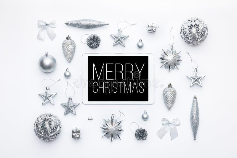 Compra em linha do Natal Fundo da venda da São Estêvão Ornamento do Natal e tabuleta digital da tela vazia imagem de stock
