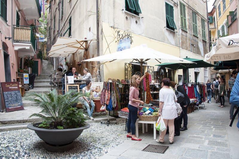 Compra em Vernazza fotografia de stock