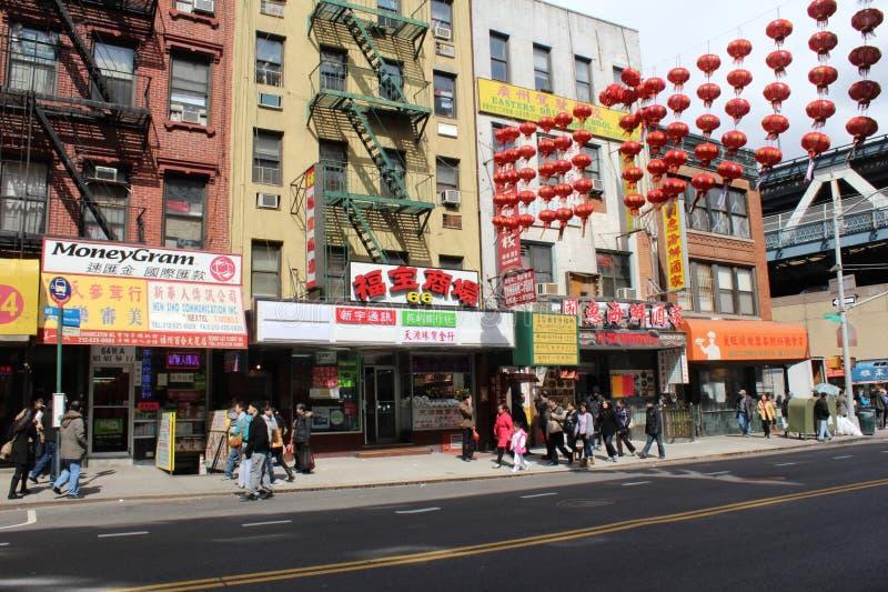 Compradores en Chinatown, New York City imagen de archivo